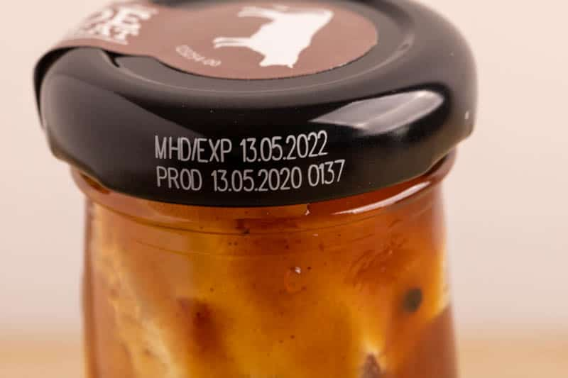 BBQ sauce: date on the cap