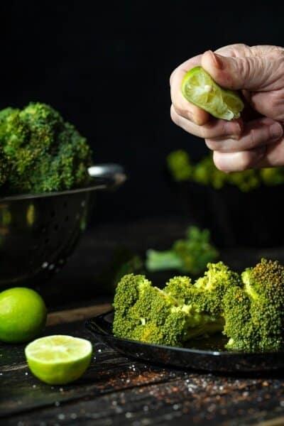 Broccoli seasoned with lime juice