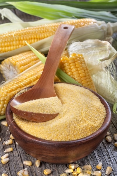 Cornmeal and corn