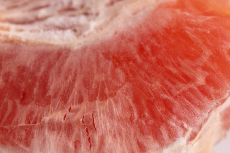 Grapefruit: white layer on fruit's flesh