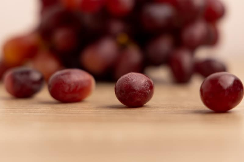 Grapes off the stems
