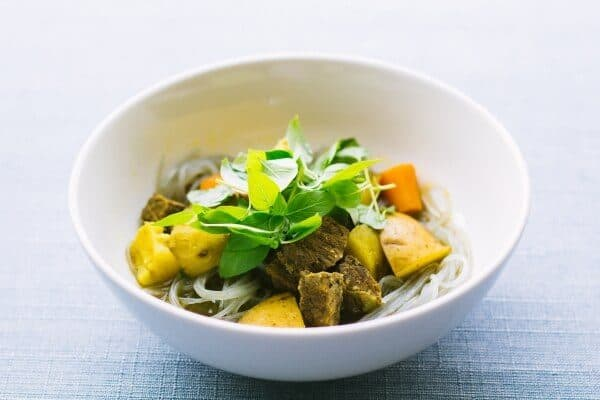 Noodle bowl with tofu
