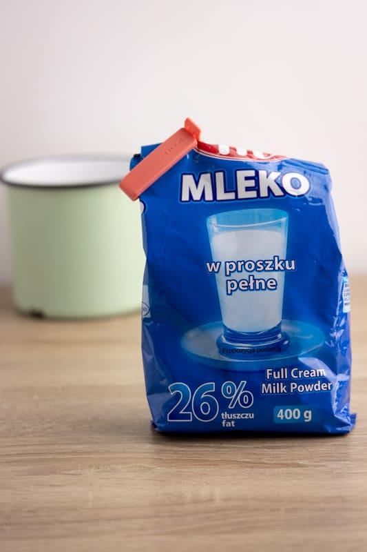 Opened powdered milk