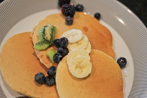Pancakes with slices of banana