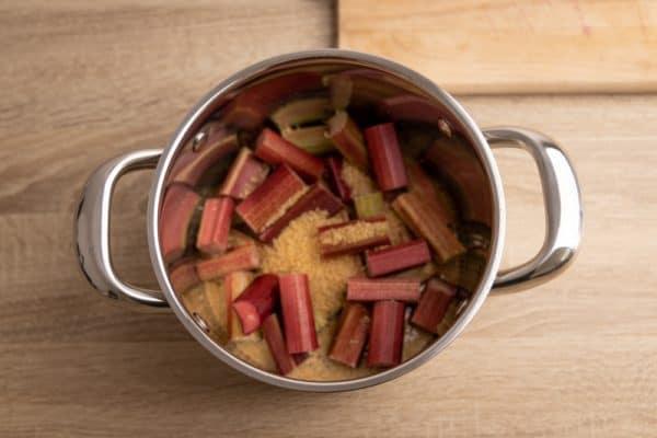 Prep for rhubarb kompot