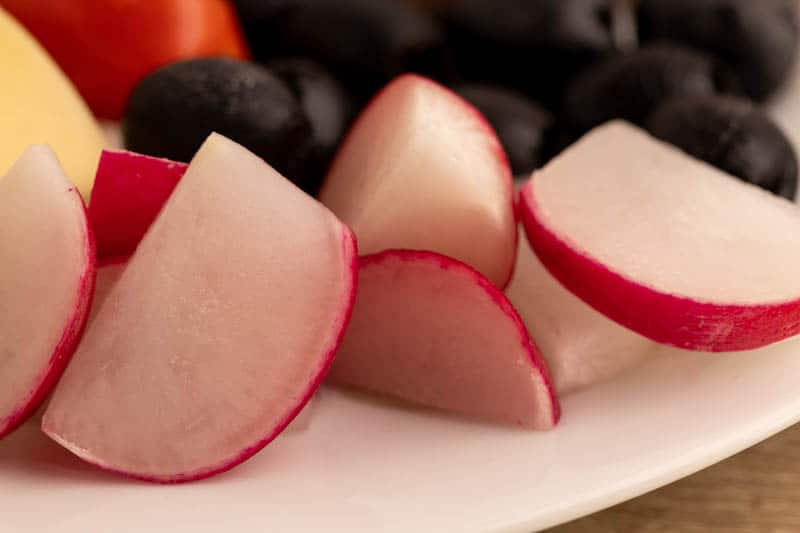 Radishes cut in slices