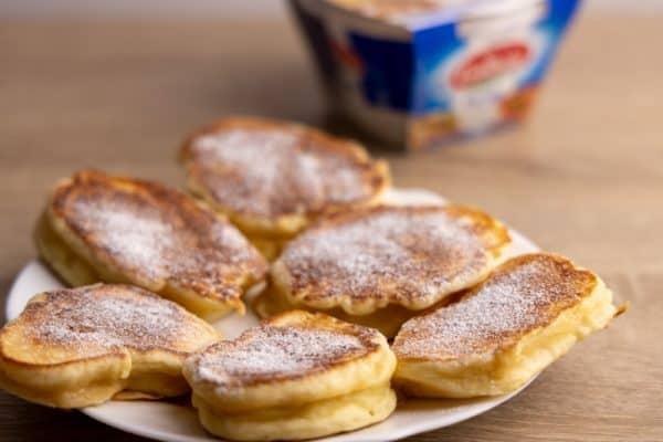 Ricotta pancakes with powdered sugar