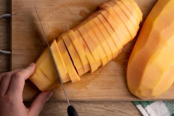 Slicing my papaya