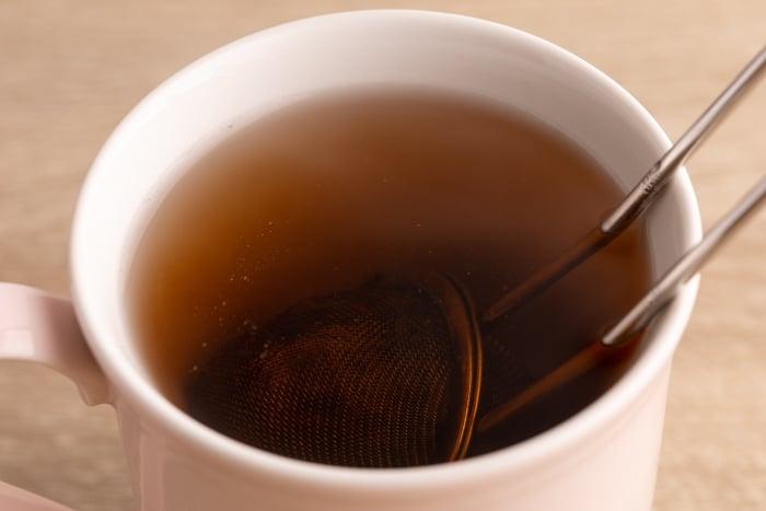 Steeping red tea