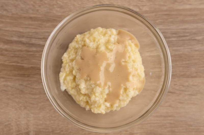 Topping baby food with tahini