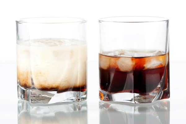 Black russian and white russian cocktails