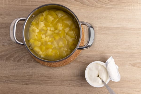Zucchini soup before blending