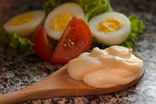 Mayonnaise, eggs, and veggies